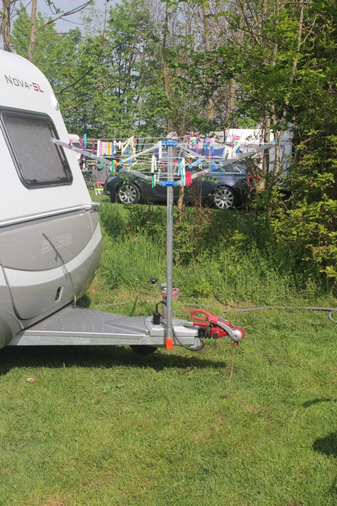 Droogmolenhouder - op de dissel van de caravan