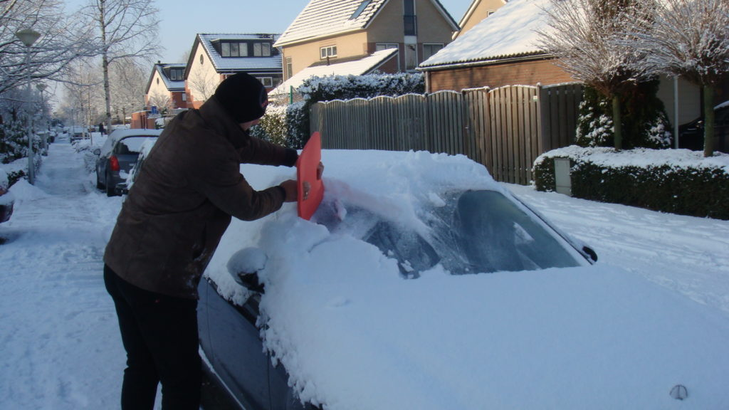 BumpCatcher - autoruit sneeuw vrij maken