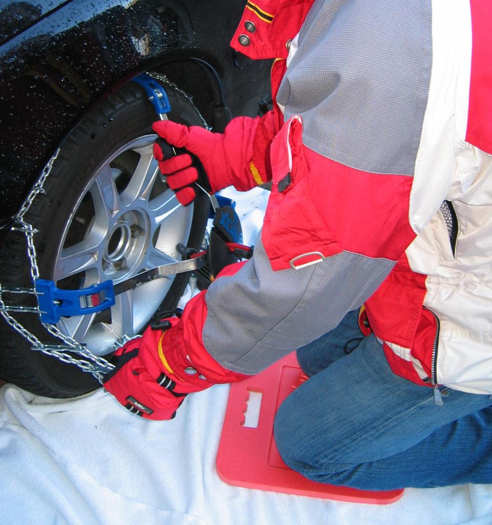 BumpCatcher - In de sneeuw sneuuwketting monteren.